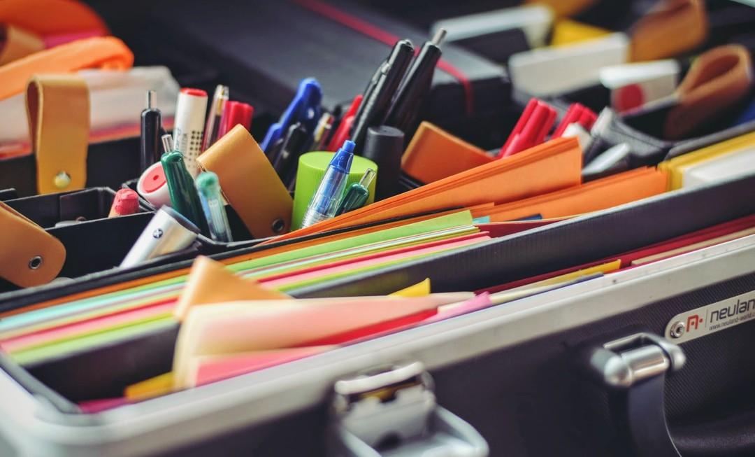 Blog - files pen paper